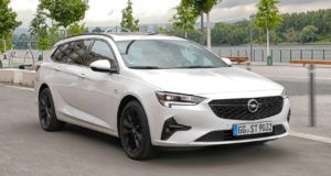 Renting opel insignia-sports-tourer