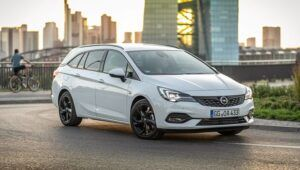 Renting opel astra-sports-tourer
