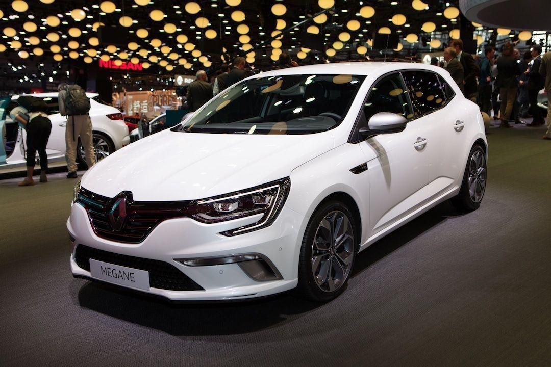 Renault Megane en el Salón del Automóvil de París, un sedán compacto