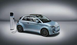 Renting Fiat 500E Eléctrico